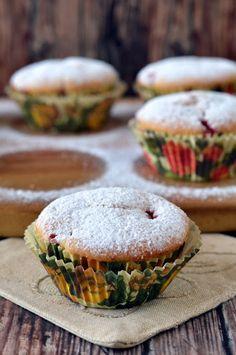Epres-joghurtos muffin 🍴 Muffins, Breakfast, Food, Morning Coffee, Muffin, Essen, Meals, Yemek, Eten