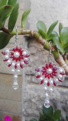Naušničky pro indickou princeznu v červenostříbrné Crochet Earrings, Drop Earrings, Jewelry, Fashion, Moda, Jewlery, Jewerly, Fashion Styles, Schmuck