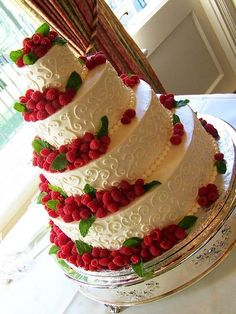 See more about wedding cakes, raspberry cake and raspberry wedding. Gorgeous Cakes, Pretty Cakes, Cute Cakes, Amazing Cakes, Scroll Wedding Cake, Wedding Cake Pops, Wedding Cakes, Fruit Wedding Cake, Raspberry Wedding