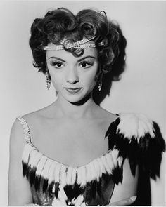 Check out our lovely Life Achievement Recipient Rita Moreno on the set of Singin' in the Rain! Catch this film classic on TCM Monday at ET! Old Hollywood Stars, Classic Hollywood, Puerto Rico, Divas, It's All Happening, Rita Moreno, Turner Classic Movies, Singing In The Rain, Classic Beauty