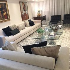 Sala clássica e cheia de requinte by @dd.arquitetura. Amei@pontodecor Snap:  hi.homeidea  http://ift.tt/23aANCi #bloghomeidea #olioliteam #arquitetura #ambiente #archdecor #archdesign #cozinha #kitchen #arquiteturadeinteriores #home #homedecor #style #homedesign #instadecor #interiordesign #designdecor #decordesign #decoracao #decoration #love #instagood #decoracaodeinteriores #lovedecor #lindo #sexta #architecture #archlovers #inspiration #sala