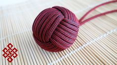 """How to Tie a Large Monkey's Fist with DIY Jig (1.5"""", 7 Passes) Tutorial Hey Weavers! Got another Monkey's Fist tutorial for you and this time we're doing a l..."""