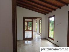 Conoce más modelos de casas prefabricadas. En Prefabricasa reinventamos el sistema de casas prefabricadas en Colombia. ¡Contáctenos! My Dream Home, House Design, Windows, Mirror, Furniture, Home Decor, Colombia Memes, Country Houses, Spaces