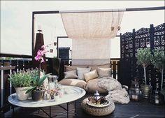 Trasformare l'outdoor in un'oasi di relax con pergolati e tende a vela