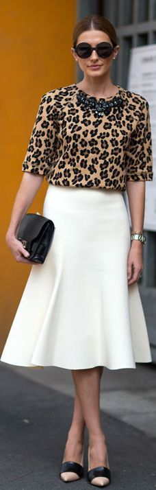 The knee high skirt. So classy, yet so hip with the right top.