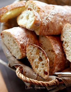 Paine rustica rapida detaliu final Bread Recipes, Cake Recipes, Dessert Recipes, Cooking Recipes, Cooking Bread, Bread Baking, Rustic Bread, Good Food, Yummy Food