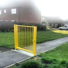 This completely secure gate. | The 31 Most Pointless Things Of All Time