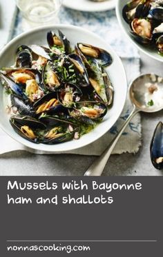 Mussels in a buttery white wine and herb sauce make for a quick, easy and impressive starter. Serve with crusty bread. White Sauce Recipes, Wine Recipes, Mussels Seafood, Mussels White Wine, Scallop Recipes, Quick Bread Recipes, Scallops, Herb, Seafood