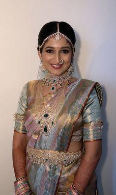 Indian Jewelry Earrings, Gold Bridal Earrings, Gold Earrings Designs, Gold Jewellery Design, Bridal Jewellery, Diamond Jewellery, Jewelery, Half Saree Designs, Bridal Blouse Designs