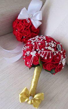 *lindo Bouquet de broches estilo vintage e porta-alianças com strass*
