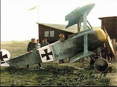 Go Online and Stop Paying More for Airport Parking Than Your Plane Ticket. Fokker Dr1, Aviation Insurance, World War One, Luftwaffe, Military Aircraft, Techno, Wwii, Jets, Airplanes