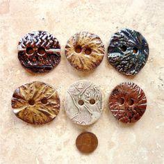 Ceramic stoneware buttons