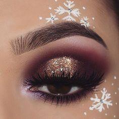 31 Stunning Christmas Makeup Looks You'll Love 31 Stunning Christmas make-up you'll love; Christmas make-up looks like; Glitter Christmas make-up ideas. Looks Party, Party Makeup Looks, Love Makeup, Amazing Makeup, Party Eye Makeup, Stunning Makeup, Fun Makeup, Makeup Ideas Party, Makeup Inspo
