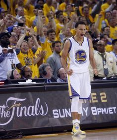 Golden State Warriors' Stephen Curry celebrates a Cleveland Cavaliers' turnover during overtime of the Warriors' 108-100 win in Game 1 of the 2015 NBA Finals at Oracle Arena in Oakland, Calif., on Thursday, June 4, 2015. Photo: Scott Strazzante, The Chronicle