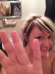 Stop! My Boyfriend is Taking Pictures of Me in the Shower Photobomb Selfie Fail  ---- best hilarious jokes funny pictures walmart humor fail