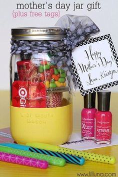 Cute and easy gift ideas for mom, daughter, best friend, etc.