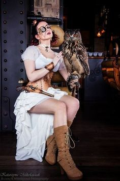 Color Palette: White & Tan (with owl!) - For costume tutorials, clothing guide, fashion inspiration photo gallery, calendar of Steampunk events, & more, visit SteampunkFashionGuide.com