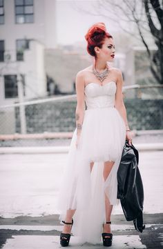 Le Happy wearing Nasty Gal Prom tulle dress and Giuseppe Zanotti pumps Punk Wedding Dresses, Punk Rock Wedding, Prom Dresses, Grunge Wedding, Chic Wedding, Winter Dress Outfits, Casual Dress Outfits, 80s And 90s Fashion, Grunge Fashion