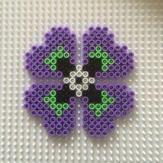 Pansy flower hama beads by nytt_liv_til_hjemmet Easy Perler Bead Patterns, Bead Loom Patterns, Beading Patterns, Flower Patterns, Pearler Beads, Fuse Beads, Bead Crafts, Diy Crafts, Melting Beads