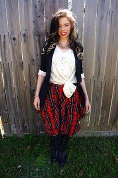 Bunny Meyer AKA Grav3yardgirl on youtube | Love this Outfit