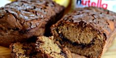 Looking for the best banana bread recipe to use up those overripe bananas? Try making this moist and delicious Nutella swirl banana bread! Easy Banana Pudding, Banana Pudding Recipes, Healthy Classroom Snacks, No Bake Desserts, Dessert Recipes, Cant Stop Eating, Best Banana Bread, Nutella, Paula Deen