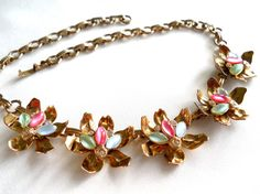 Pink Green & White Necklace Five Flower by JanesVintageJewels #vogueteam #flowernecklace #giftforher #rhinestonenecklace #vintagejewelry #christmasshopping