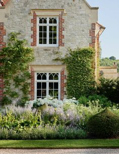 On the site of a former vicarage in Hampshire, Andrew and Sarah Hills of Porta Romana have created an elegant and distinguished family house, which has an established feel despite its modern reconstruction. French Cottage, Cottage Style, House On A Hill, Good House, Big Houses, Elegant Homes, House Tours, Decks, Beautiful Homes