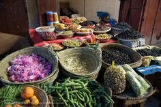 Morrocan spices and herbs. Wheat Belly Recipes, Moroccan Spices, Dry Rubs, Bbq Rub, Spices And Herbs, Exotic Food, Saveur, Tea Ceremony, Mediterranean Diet