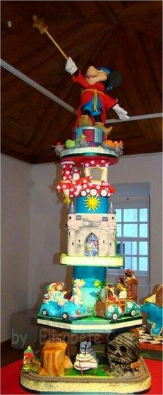 Unbelievable Huge Disney Cake. Learn how to create your own amazing cakes: www.mycakedecorating.co.za