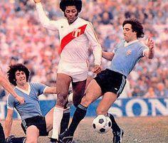 José Velásquez: histórico jugador de Perú con 82 presencias entre 1972 y 1985.  Copa América: 1 (1975) Mundial: 2 (1978 y 1982)