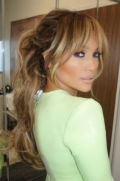 Top 40 blonde Haarfarbe Ideen Fringe hairstyles from choppy to sideways curved bang Glamor UK Summer Hairstyles, Pretty Hairstyles, Blonde Fringe Hairstyles, J Lo Hairstyles, Haircuts For Long Hair With Bangs, Fringe Haircut, Wedding Hairstyles, Natural Hairstyles, Haircuts With Fringe