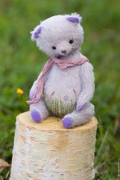 Купить Фиалочка - бледно-сиреневый, сиреневый, фиолетовый, лавандовый, нежность, зеленый, бордовый, травы, вышивка