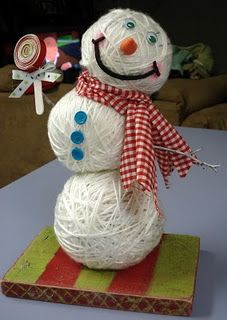 Another awesome snowman - 38 Last-Minute Budget-Friendly DIY Christmas Decorations Diy Christmas Decorations, Snowman Decorations, Snowman Crafts, Holiday Crafts, Holiday Fun, Christmas Snowman, Winter Christmas, Christmas Holidays, Christmas Ornaments