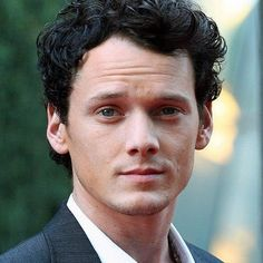 Odd Thomas Trailer Starring Anton Yelchin -- Stephen Sommers directs this adaptation of Dean R. Koontz's novel about a young man who has the ability to communicate with the dead. -- http://wtch.it/pDNtX