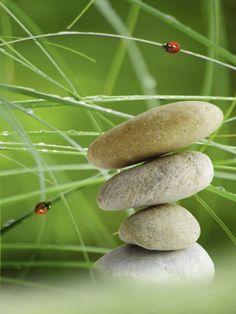 Claudia Burlager: Balance Steine