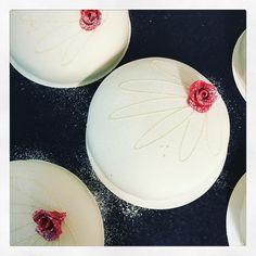"""182 gilla-markeringar, 4 kommentarer - Evelinas kök (@evelinaskok) på Instagram: """"Morgon igen. En del dagar är bättre än andra. Dagar då man bara vill dra täcket över och låtsas som…"""""""