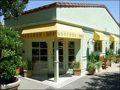 Bouchon Bakery in Yountville can't be missed with it's pastel green exterior