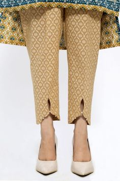 plus size for women Salwar Neck Designs, Neck Designs For Suits, Kurta Neck Design, Sleeves Designs For Dresses, Kurta Designs Women, Kurti Sleeves Design, Blouse Designs, Stylish Dresses For Girls, Stylish Dress Designs
