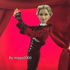 There's only one Queen @madonna and there's only one @magia2000 @madonnadoll_ @guyoseary @bcompleted @ariannephillips @lynn_ban @madonnauniverse @riccardotisci #rebelheart #livingforlove #artforfreedom #dolls #doll @chetempochefa #chetempochefa @mario_magia2000 #fabiofazio @madonnatribe @mertalas @madonna_art_vision @news_of_madonna