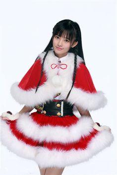 Ju JingYi (鞠婧祎) Christmas girls - Oh my God! Snow White, Cosplay, Christmas Ornaments, Disney Princess, Holiday Decor, Disney Characters, Cute, Beautiful, Christmas Girls