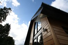 Russwood Timber Cladding provides an attractive & durable external finish which is renewable, reusable, biodegradable & contains minimal embodied energy. Western Red Cedar Cladding, Timber Cladding, Biodegradable Products, Westerns, Minimalism, Exterior, Image, Wood Cladding
