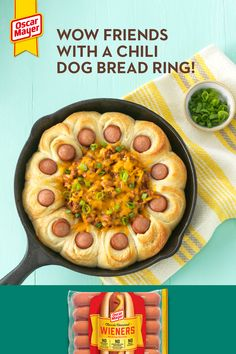 Recipes Appetizers And Snacks, Snacks Für Party, Dog Bread, Chili Cheese Dogs, Great Recipes, Favorite Recipes, Oscar Mayer, Good Food, Yummy Food