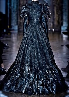 Gareth Pugh NYFW This reminds me of Colleen Atwoods SWATH costumes