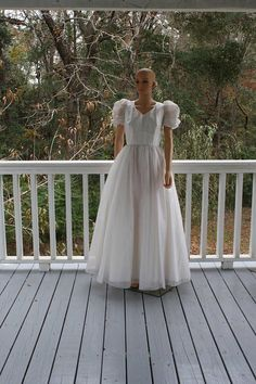 Vintage Mike Benet White Gown Dress Pageant SZ 16-1/2