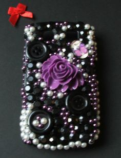 Blackberry curve handmade phone case    £20 + 3.00 postage    Please visit www.redbowboutique.co.uk to make a purchase through paypal, or email info@redbowboutique.co.uk and you will recieve an email how to pay the paypal account direct to me.