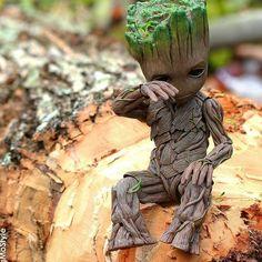 I am Groot - Marvel Marvel Heroes, Marvel Avengers, Marvel Universe, Baby Groot Drawing, Mundo Marvel, Groot Guardians, I Am Groot, Avengers Wallpaper, Disney Wallpaper