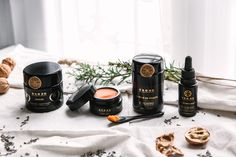 Discover OKOKO Cosmetiques luxury exotic skincare line. We are an innovative natural skincare brand that uses fresh, top-of-the-range ingredients to create elegant, high-performance skincare that delivers amazing beauty performance and visible results. Cruelty-free, no animal derived ingredients, eco-chic.