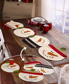The Snowman Placemats or Table Runner gives you options for protecting your dining table from spills and scratches. The four snowman faces attach by buttons to form a unique table runner, or you can detach them and use each one as an individual pl Christmas Placemats, Christmas Runner, Christmas Sewing, Felt Christmas, Simple Christmas, Christmas Time, Christmas Ornaments, Christmas Tables, Nordic Christmas