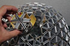luminária feita de embalagem tetrapack;