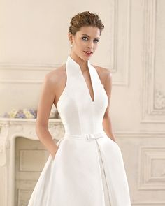 Evening dresses - Albina weddingdress Classic wedding dresses with a twist that is the best wa – Evening dresses Sexy Dresses, Beautiful Dresses, Evening Dresses, Fashion Dresses, Prom Dresses, Formal Dresses, Short Dresses, Fitted Dresses, Mini Dresses